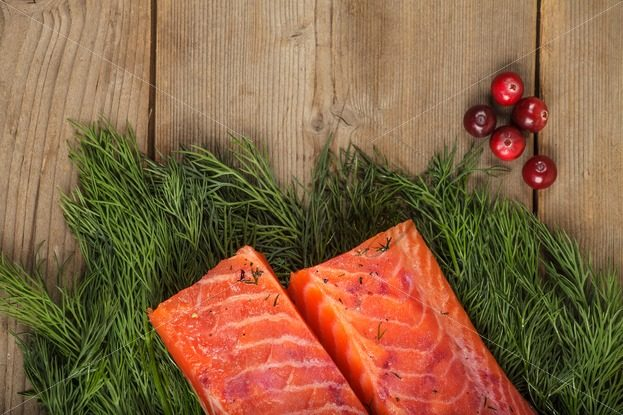 Gravlax with cranberry and greenery – Stock photos from around the world