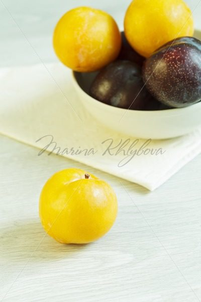Mirabelle and many other plums – Stock photos from around the world