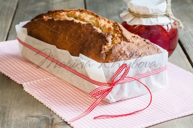 Banana bread in packaging of paper – Stock photos from around the world
