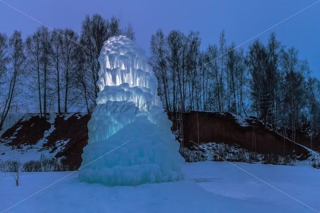 Giant icicle in the dusk – Stock photos from around the world